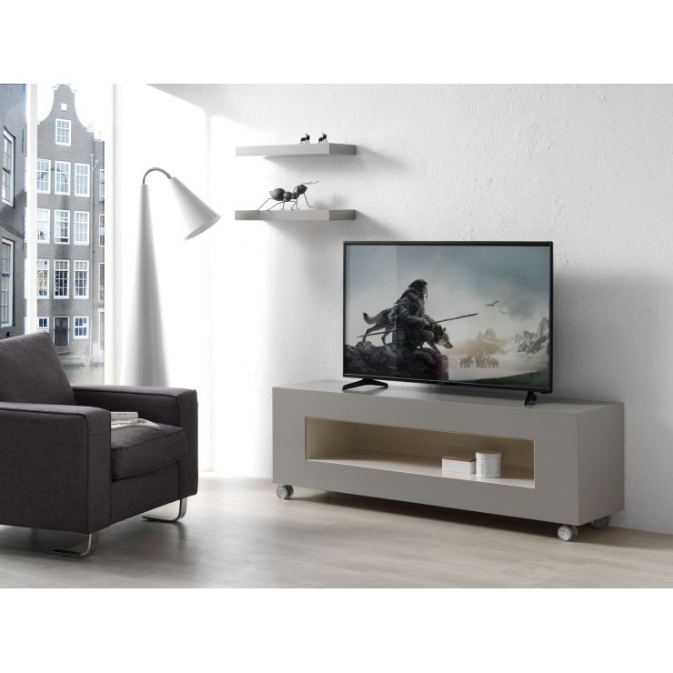 Table TV 720